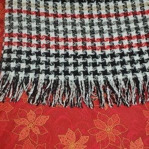 Brand new women's scarve